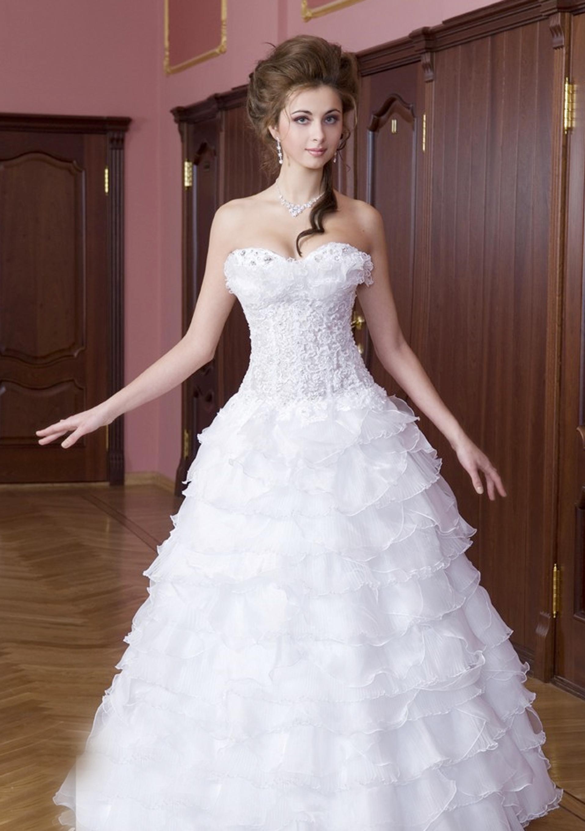 Платья свадебные до 12000