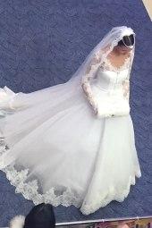 Дефиле свадебных платьев на розыгрыше Россювелирторга.